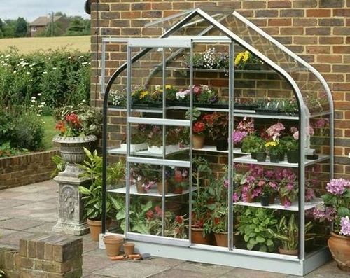 Looking for greenhouses near Kirbymoorside? Visit Steam and Moorland Garden Centre in Pickering for a great range of greenhouses!