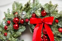 Top tips on decorating festive wreaths